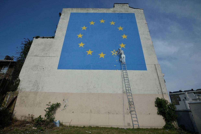 その時、バンクシーが動いた。英国EU離脱「ブレグジット」目前!Banksyが打って出た行動とは?