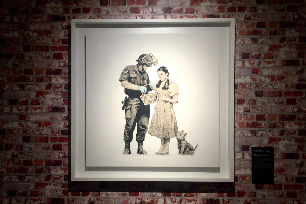 Banksy 'Stop and Search' 額装したキャンバス作品